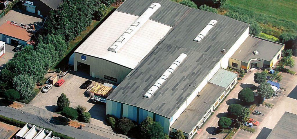 Siedziba Schrag Hamburg producent kształtowników zimnogiętych, profili Z, profili C, konstrukcji fotowoltaicznych, profili kontenerowych, elewacji, obróbek blacharskich.