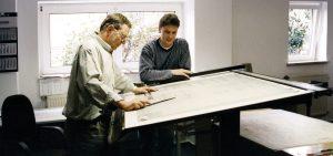 Biuro projektowe Schrag Hetphen producent kształtowników zimnogiętych, profili Z, profili C, konstrukcji fotowoltaicznych, profili kontenerowych, elewacji, obróbek blacharskich.