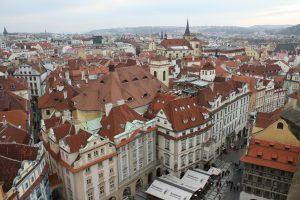 Widok miasta czerwone dachy Schrag Poprad elewacje, obróbki blacharskie, rynny koszowe, konstrukcje fotowoltaiczne.