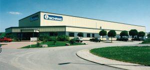 Schrag hala przemysłowa. Produkcja kształtowników zimnogiętych, profili Z, profili C, konstrukcji fotowoltaicznych, profili kontenerowych, elewacji, obróbek blacharskich.