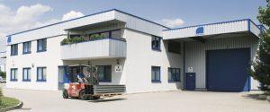 Schrag oddział w Lipsku. Produkcja profili Z, profili C, obróbek blacharskich, elewacji, kształtowników zimnogiętych.